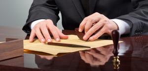 Составление договоров и внутренних документов